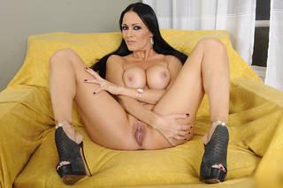 Sexy Frau mit großen Titten.